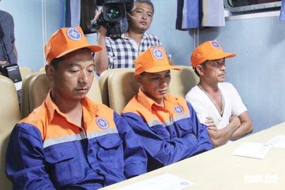 Vẫn chưa tìm được 9 ngư dân mất tích, tang thương bao trùm cả vùng quê nghèo.1.6