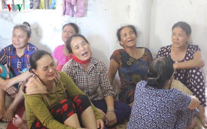 Vẫn chưa tìm được 9 ngư dân mất tích, tang thương bao trùm cả vùng quê nghèo.4