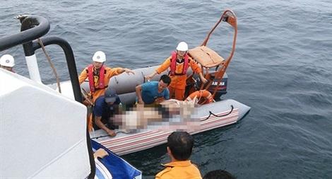 Vẫn chưa tìm được 9 ngư dân mất tích, tang thương bao trùm cả vùng quê nghèo.1