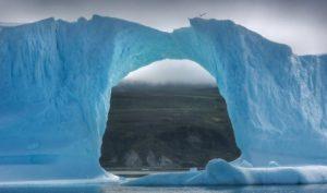 """""""Mãn nhãn"""" hòn đảo lớn nhất thế giới với 81% diện tích bề mặt bị băng bao phủ"""