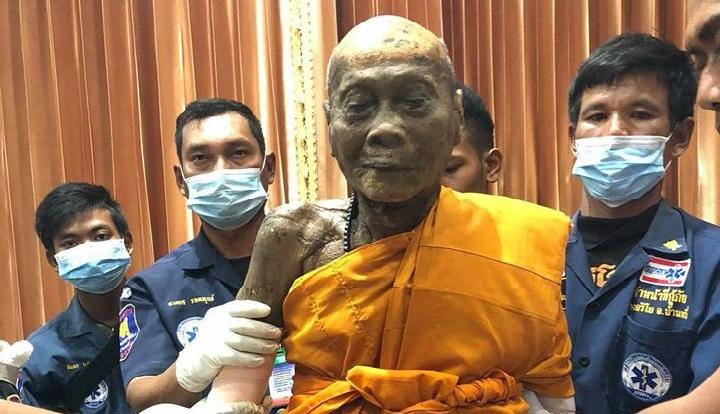 Thân thể bất hoại của nhà sư Luang Phor Pian. (Ảnh: Facebook)