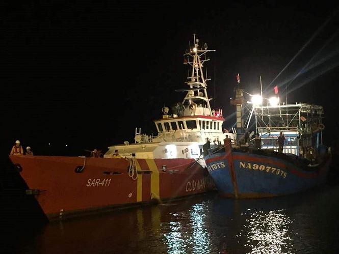 Vẫn chưa tìm được 9 ngư dân mất tích, tang thương bao trùm cả vùng quê nghèo.8