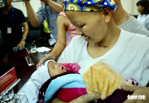 Mẹ con sản phụ bị ung thư giai đoạn cuối đã phục hồi kỳ diệu - ảnh 3