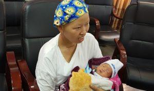 Mẹ con sản phụ bị ung thư giai đoạn cuối đã phục hồi kỳ diệu