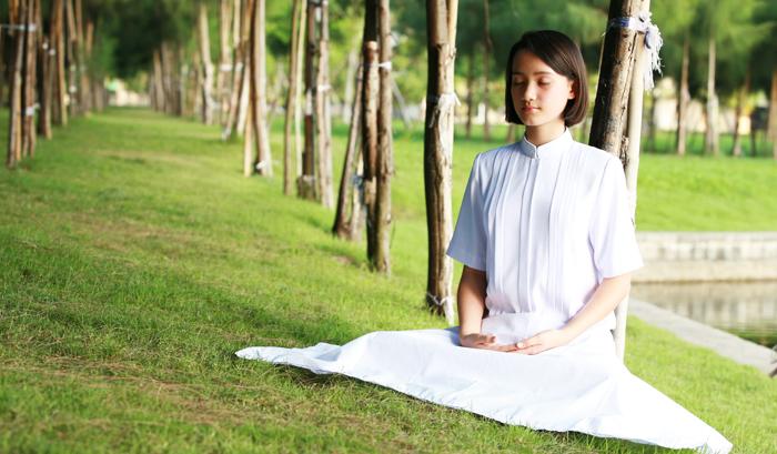 Ngồi thiền đúng cách có thể giúp thư giãn cơ thể và tâm trí, từ từ hòa nhập với toàn bộ vũ trụ thành một thể