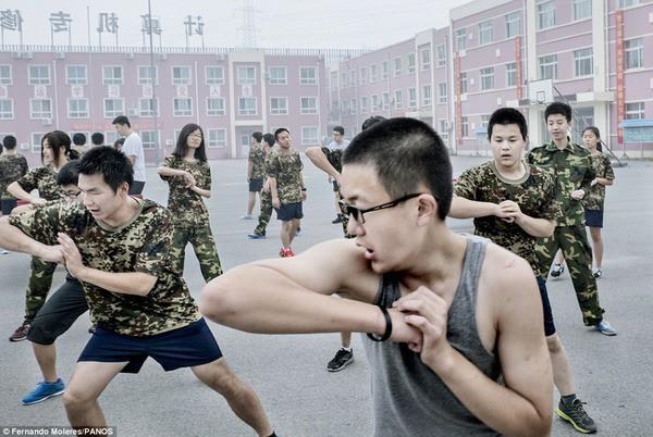 Cuộc sống trong trại cai nghiện Internet ở Trung Quốc