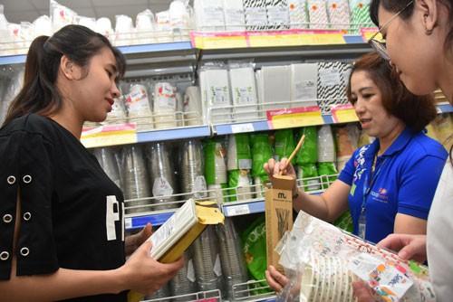 Nhiều sản phẩm thân thiện với môi trường thay thế hàng nhựa đã xuất hiện trong các siêu thị