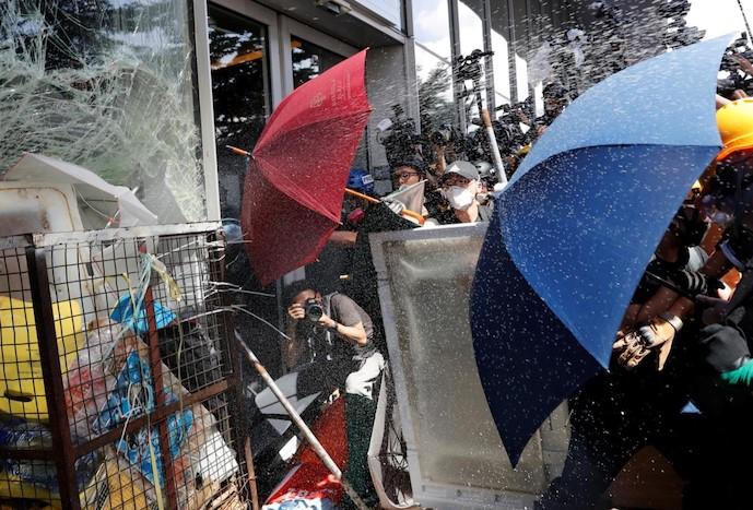Ngoại trưởng Anh kêu gọi Chủ tịch Trung Quốc để Hồng Kông được tự do.02