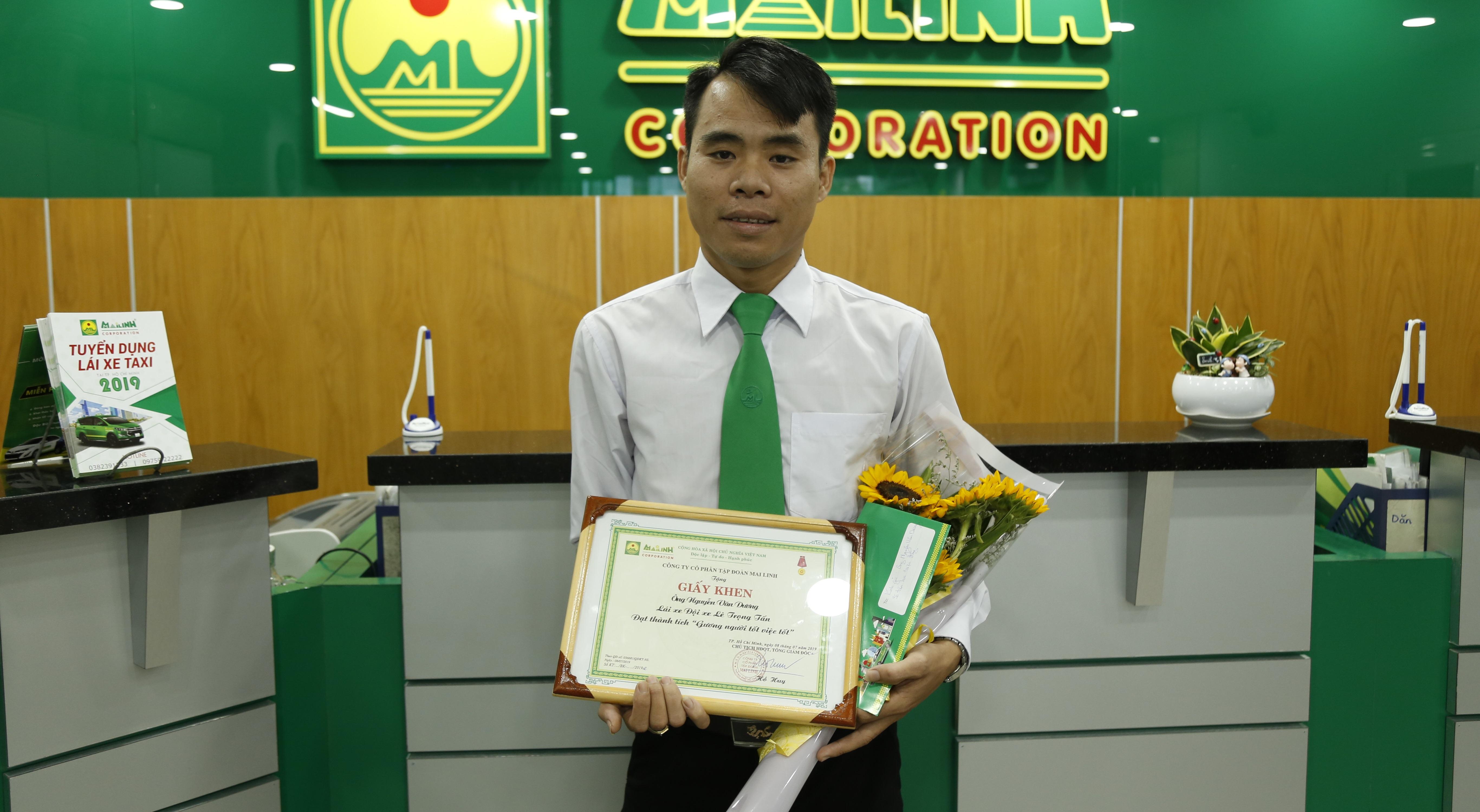 Lái xe Nguyễn Văn Dương được tuyên dương tại công ty