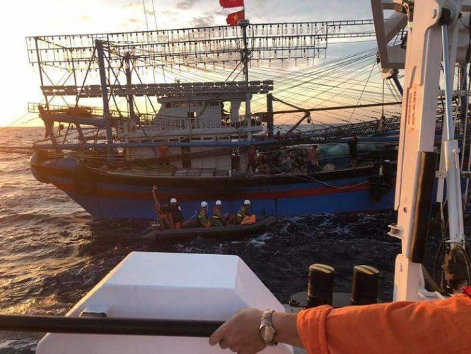 Vẫn chưa tìm được 9 ngư dân mất tích, tang thương bao trùm cả vùng quê nghèo.5