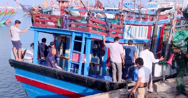 Quảng Ngãi: Ngư dân Việt Nam cứu sống 32 ngư dân gặp nạn trên biển
