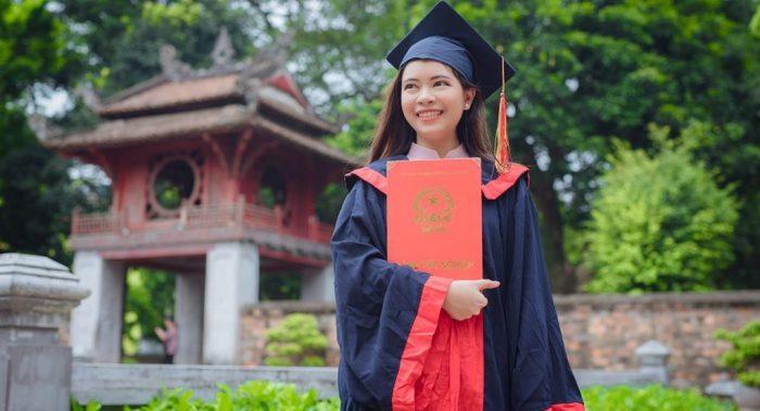 Du học sinh Thái Lan đậu thủ khoa tại trường ĐH ĐH KHXH&NV Hà Nội.1