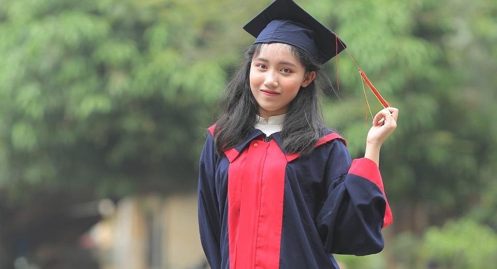 em Ngô Thu Hà - học sinh trường THPT Chuyên Hùng Vương là thí sinh có điểm 3 môn xét tuyển đại học cao nhất cả nước trong kỳ thi THPT Quốc gia năm nay.