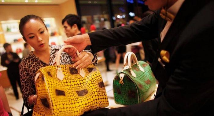 Người Trung Quốc thường cân đo đong đếm khi mua hàng, cũng thường mặc cả hay trả giá.