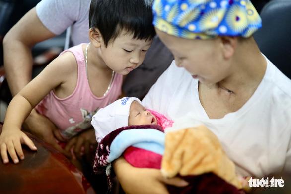 Mẹ con sản phụ bị ung thư giai đoạn cuối đã phục hồi kỳ diệu - ảnh 4