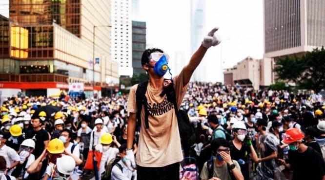 """""""Luật dẫn độ"""" trở thành """"bùa đòi mạng"""" thế hệ trẻ Hồng Kông.2"""