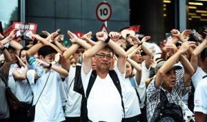 """282 ngàn người thỉnh nguyện Nhà Trắng thu hồi thị thực của quan chức ủng hộ """"Luật dẫn độ"""""""