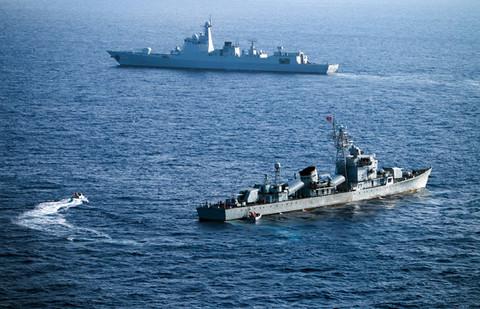 Tàu hải quân Trung Quốc trong một lần tập trận phi pháp ở vùng biển quần đảo Hoàng Sa thuộc chủ quyền Việt Nam.