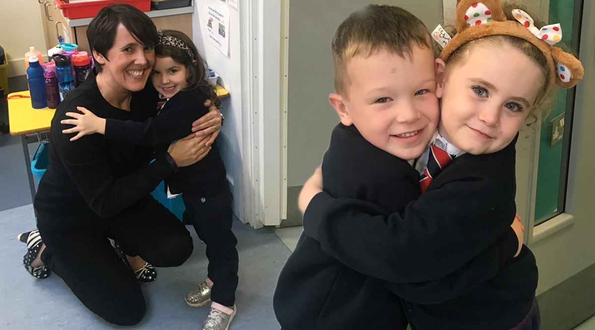Trào lưu cho trẻ ôm, bắt tay chào buổi sáng cực kỳ dễ thương của các cô giáo