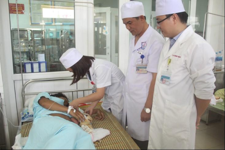 Hiện hai mẹ con sản phụ đang được chăm sóc tại bệnh viện.