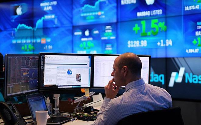 Thị trường chứng khoán Mỹ chao đảo vì quyết định của Tổng thống Trump.
