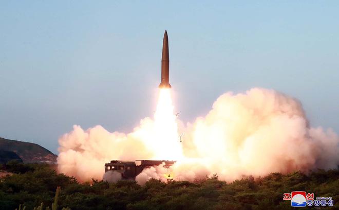 Triều Tiên phóng thử tên lửa tầm ngắm tại các vị trí khác nhau vào 25/7. (Ảnh qua news)