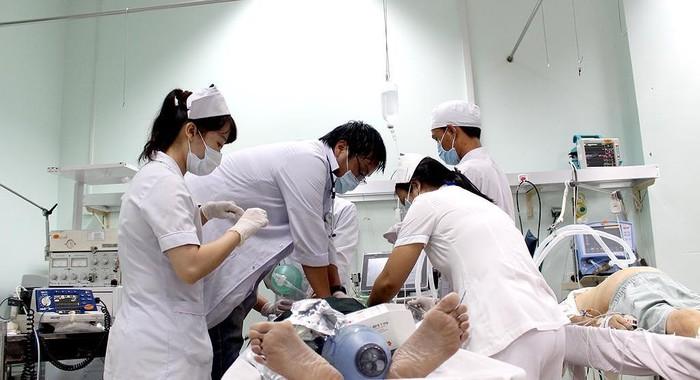 Nhiều bác sĩ đã bắt đầu lo sợ và cho rằng họ cần làm đúng quy trình để bảo vệ chính bản thân mình.