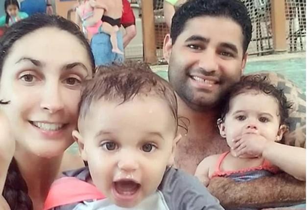 Rodriguez cùng vợ và hai con song sinh.