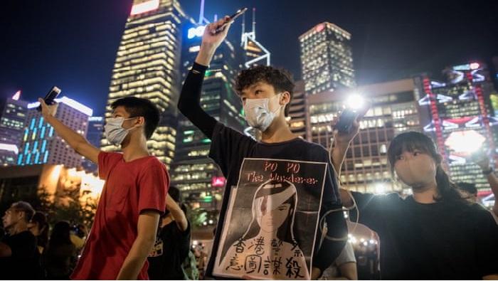 Học sinh trung học tại một cuộc biểu tình phản đối chính phủ ở Hồng Kông. (Ảnh: Chris McGrath / Getty Images)