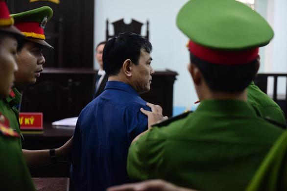 Bị cáo Nguyễn Hữu Linh đã tỏ ra bất ngờ