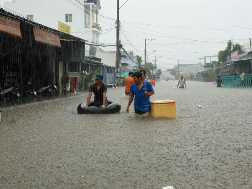 Người dân Phú Quốc cho hay đây là trận ngập chưa từng thấy trên hòn đảo này.