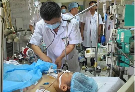 Nhiều nạn nhân đã được các bác sĩ nỗ lực cứu chữa.
