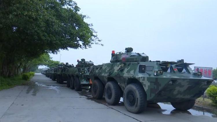 Xe bọc thép của Cảnh sát vũ trang Trung Quốc. (Ảnh qua bangkokbiznews.com)