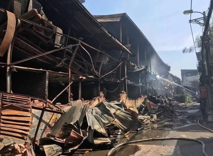 Công ty Rạng Đông ước tính thiệt hại ban đầu về tài sản sau vụ cháy khoảng 150 tỷ đồng. (Ảnh qua )