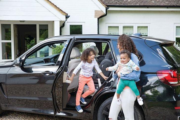 Để quên trẻ em trên xe ô tô thì lỗi hoàn toàn là của người lớn.