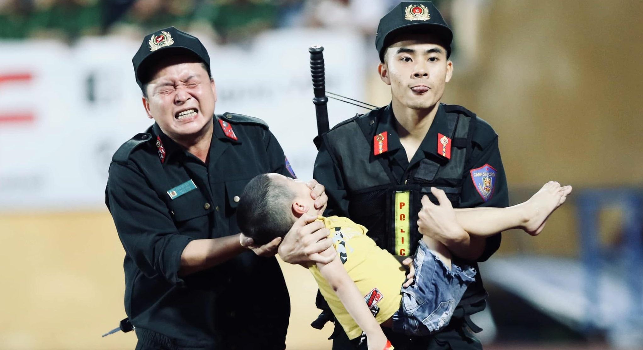 Hình ảnh đẹp của các chiến sĩ CSCĐ được chia sẻ nhanh chóng trên mạng xã hội