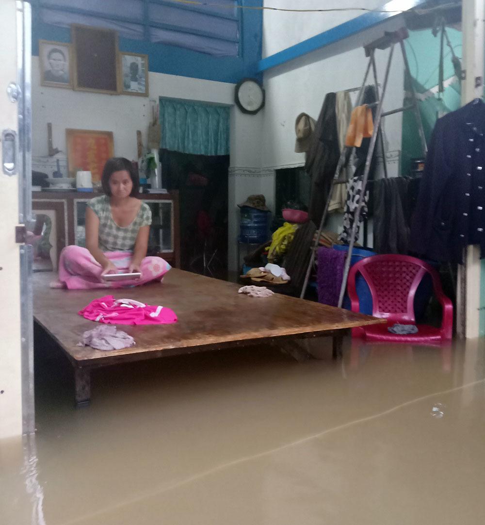Tổng số nhà bị ngập nước là 3.874 căn, ước thiệt hại hơn 35 tỷ đồng.