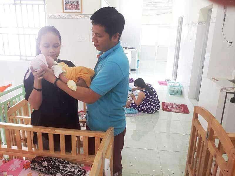 Đồng hành cùng anh Lâm từ đứa con đầu tiên còn có anh Nguyễn Văn Phúc, em trai anh.