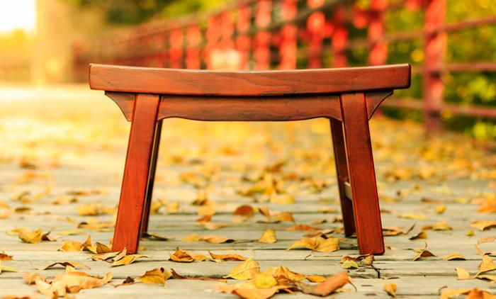Chiều dài của chiếc ghế gỗ không thể là một số nguyên, số đuôi của nó nhất định phải có chứa số 3