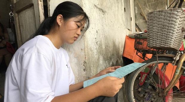 Đỗ đại học điểm cao, cô gái không dám học đại học vì nhà quá nghèo