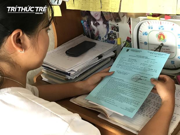 Ngày nhận kết quả, Ngọc cũng liên lạc với cô giáo chủ nhiệm của mình để thông báo kết quả