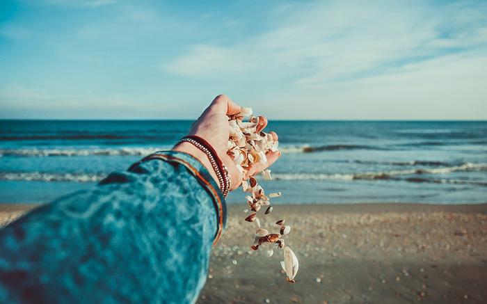 Đời người vô thường, lòng người biến hóa, hà tất gì phải day dứt vì những thứ chẳng đáng gì?