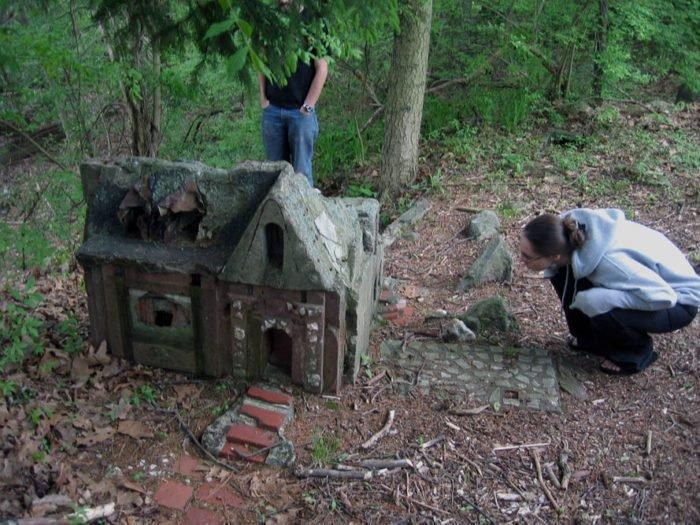 Bí ẩn ngôi làng tí hon bị 'ma ám' ở Connecticut - ảnh 3