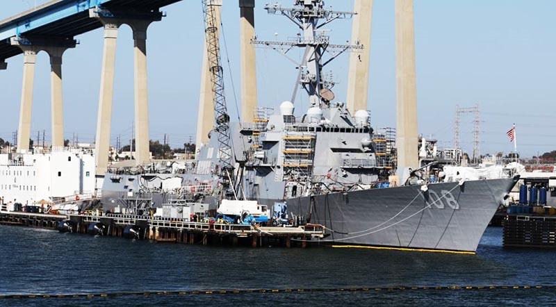 Tàu khu trục có tên lửa dẫn đường USS Wayne E. Meyer tại cảng San Diego, California, ngày 12/4/2015.