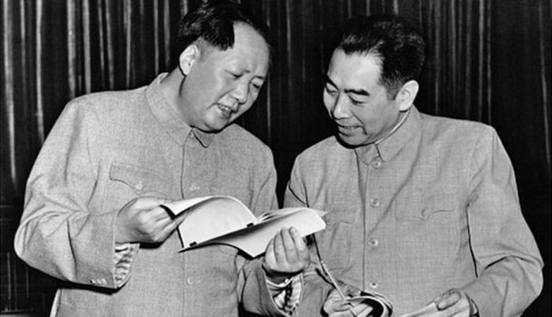 Mao Trạch Đông và Chu Ân Lai năm 1953.