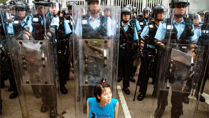 ĐCSTQ đối với cuộc vận động phản đối dự luật dẫn độ của người dân Hồng Kông vẫn không ngừng hăm dọa, dùng cả côn đồ và cảnh sát để trấn áp.