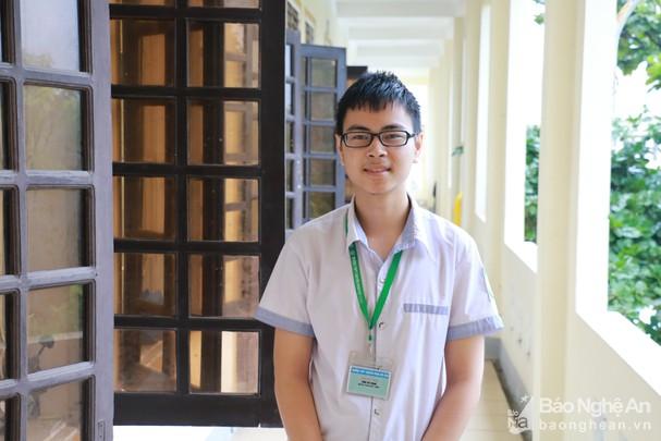 Trần Thế Trung là một học trò năng động ở Trường THPT chuyên Phan Bội Châu. (Ảnh qua baonghean)
