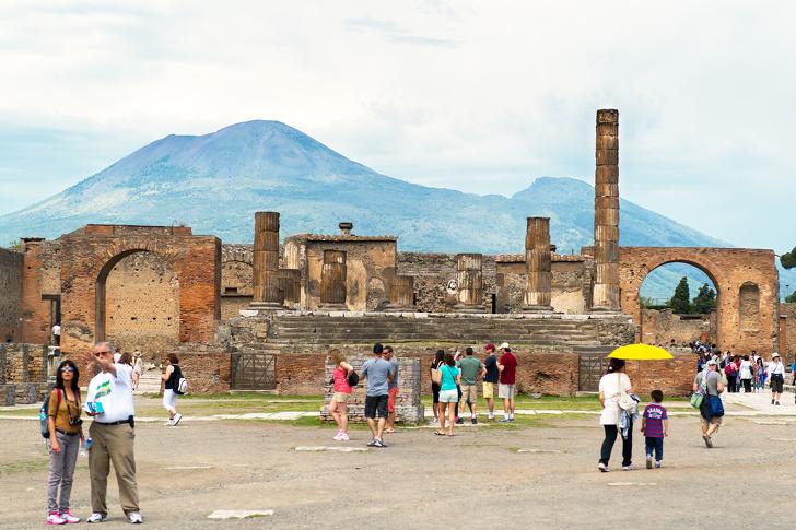 2,6 triệu người đến thăm núi Vesuvius và Pompeii mỗi năm
