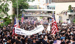 Ngày 8/9, hàng nghìn người dân Hồng Kông đã diễu hành đến Lãnh sự quán của Mỹ ở Hồng Kông. (Ảnh: Epoch Times)