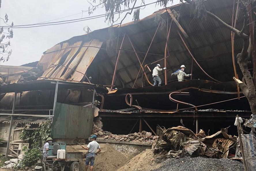 Hiện trường vụ cháy tại Công ty Rạng Đông.